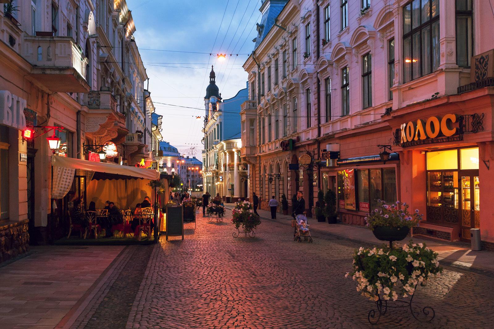 Прогулянка в українському Парижі: список найвідоміших архітектурних пам'яток Чернівців