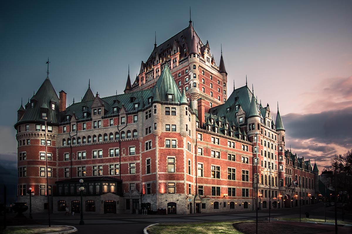 "Замок ""Шато-Фронтенак"" в Квебеку"