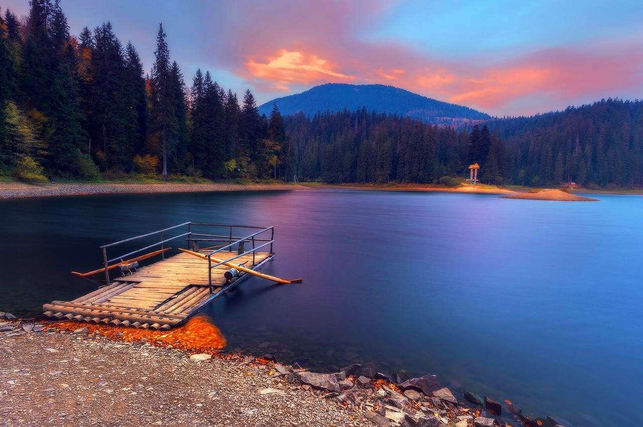 Відпочинок серед гір: найкрасивіші озера Карпат