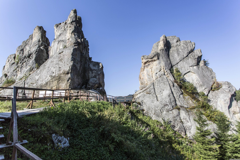 Каньйони, печери та незвичайні озера: чим іще багата Україна