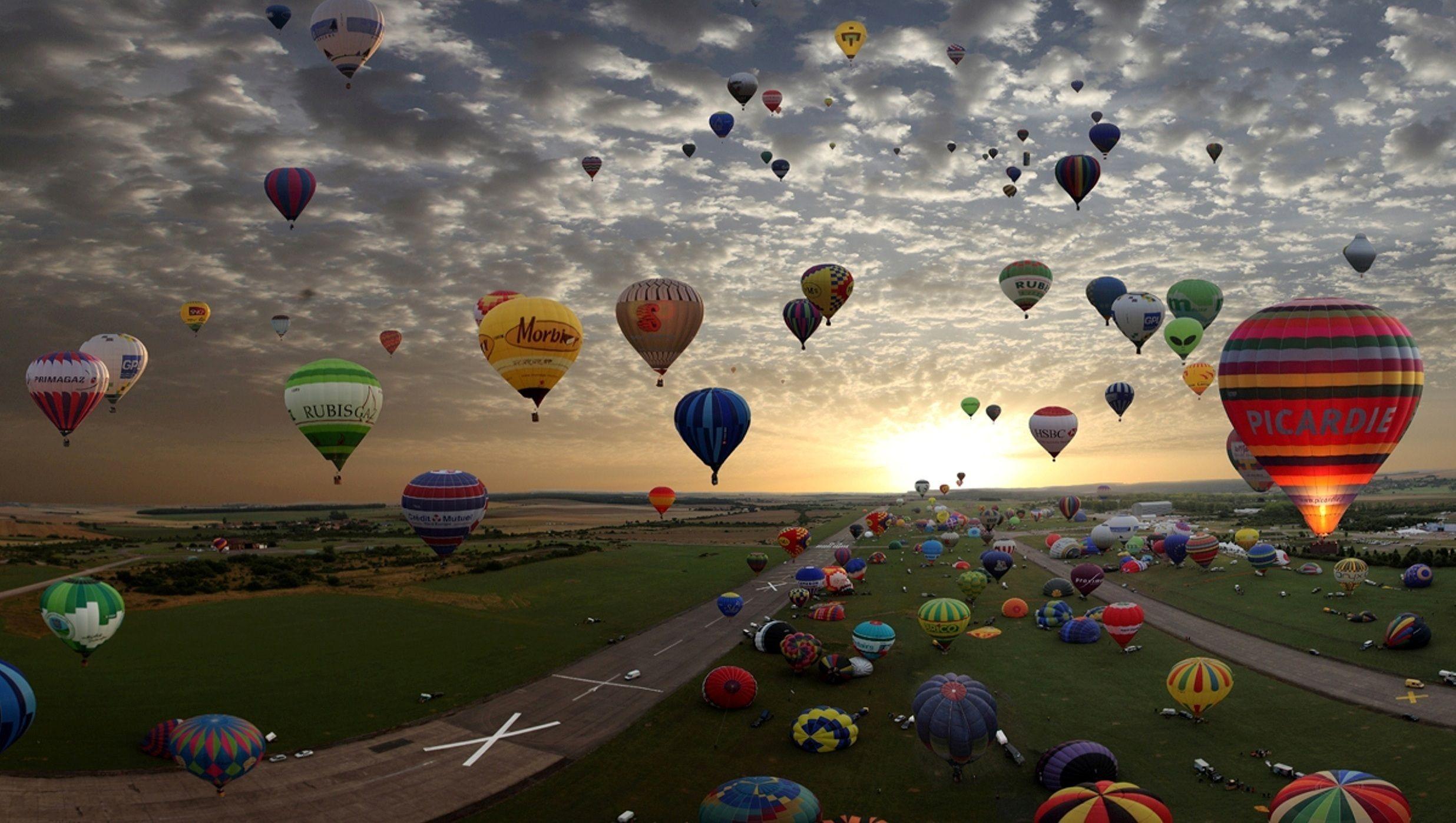 Де в Україні можна політати на повітряній кулі?
